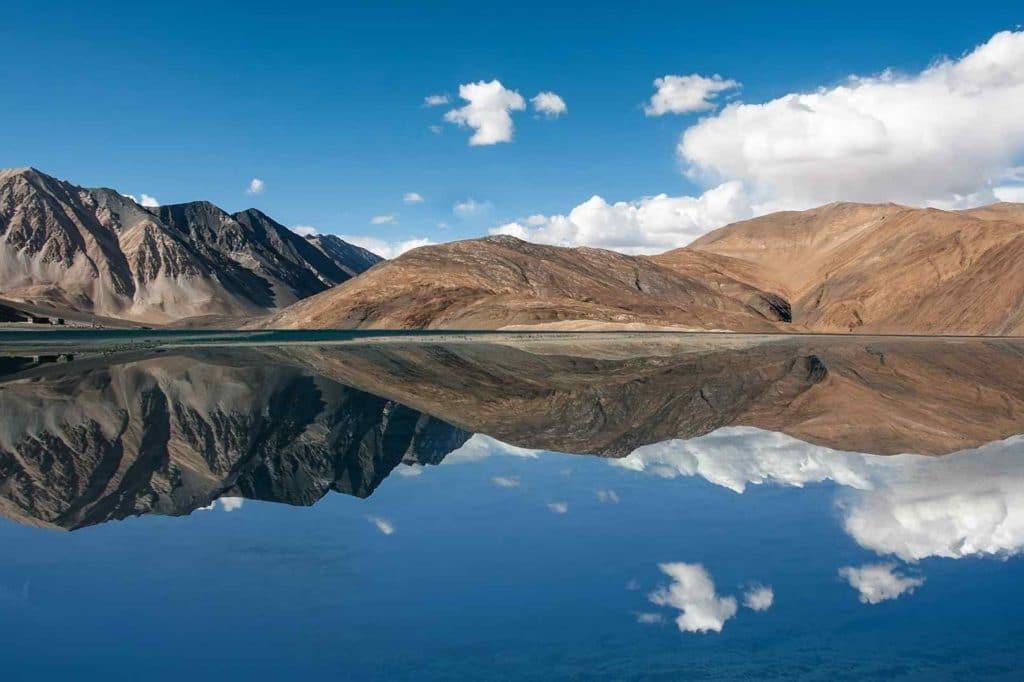 pangong lake Ladakh travel guide